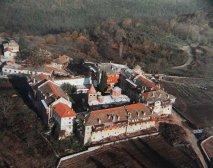 Святой монастырь Филофей <p><strong>Филофей </strong> расположен на северо-восточной стороне Святой Горы Афон.</p>